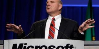 CEO-ul Microsoft, Steve Ballmer, și-a anunțat retragerea din funcție