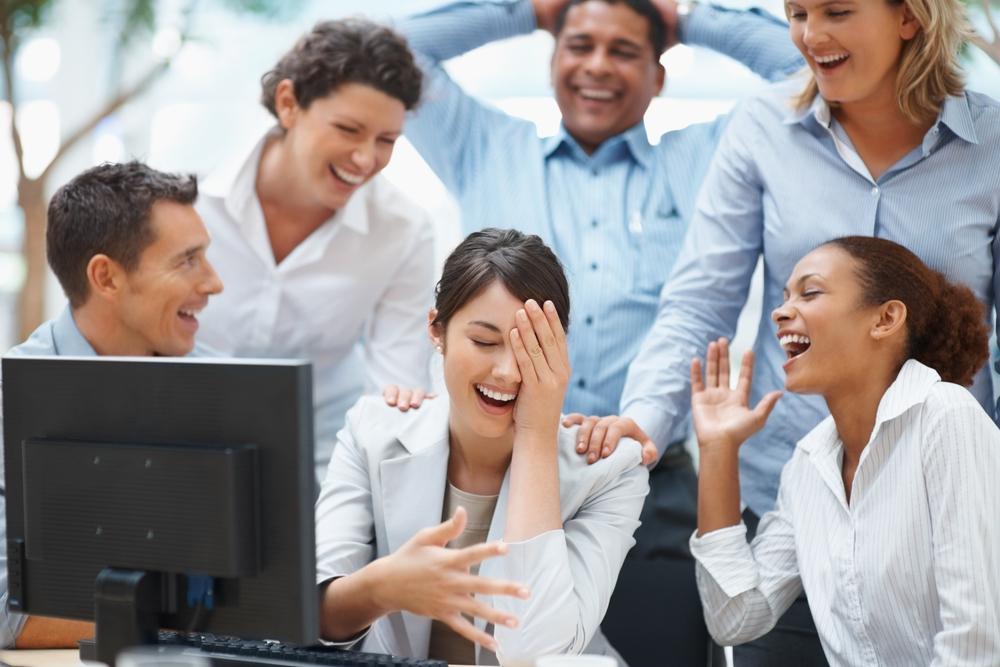 Râsul, cel mai bun medicament pentru minte, trup, suflet şi implicare
