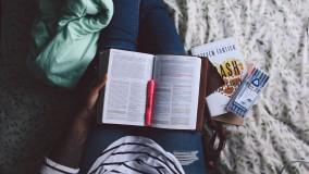 De ce învățăm mai bine atunci când nu suntem singuri?