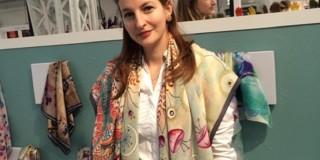 Fondatoarea brand-ului autohton Marie Nouvelle și-a expus eșarfele la un târg de fashion din Londra