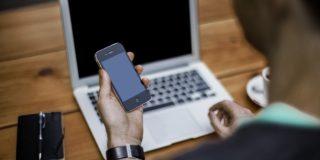 Este ilegal pentru manageri să trimită e-mailuri angajaților în weekend, în Franța