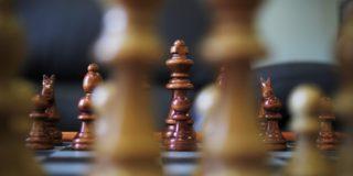 Ține pasul cu clienții, nu cu concurența