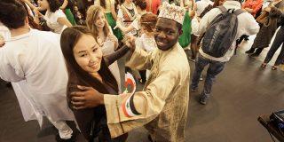 Culturi și traditii din 13 tari se reunesc la targul Globatic