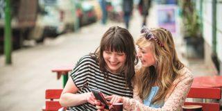 Studiu: Românii preferă tot mai mult să plătească cu cardul când călătoresc în străinătate