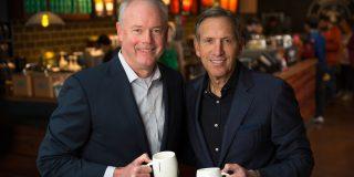 Potrivit site-ului companiei Starbucks, Kevin Johnson, Presedinte si COO, precum si membru de sapte ani in consiliul director. va fi presedinte si CEO.