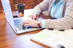 Cum să scrii e-mailuri cu precizie militară