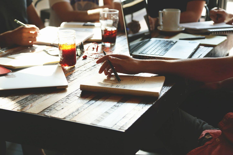 10 avantaje de a lucra intr-o companie mica
