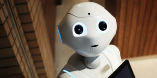 Robotii si inteligenta artificiala vor inlocui factorul uman?
