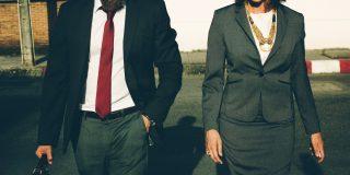Barbatii manageri sunt lideri, femeile manager sunt autoritare