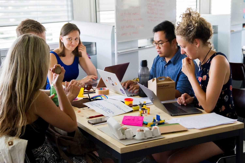 Unde-s multi, puterea creste sau Tehnici de luare a deciziilor in grup
