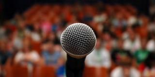 6 secrete ale vorbitului în public