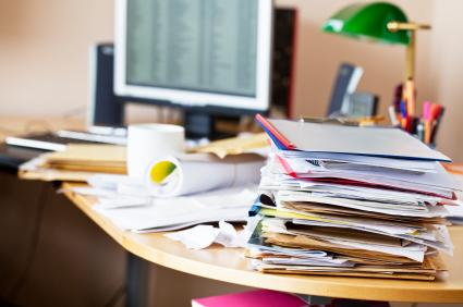 Un birou dezordonat înseamnă o minte creativă – studiu