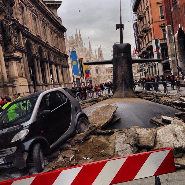 Campanie de marketing inedită – Un submarin a naufragiat în Milano