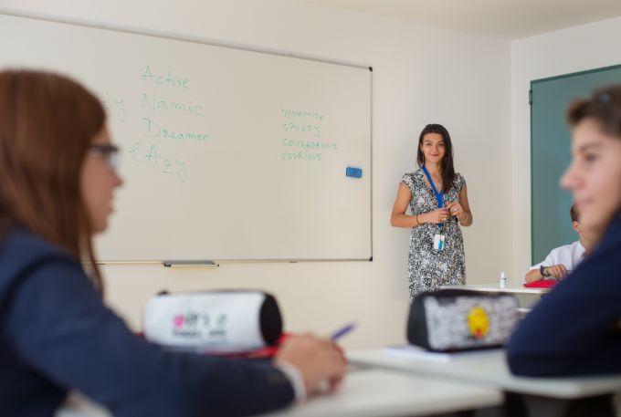 Avenor College - Selecția severă prin care trec profesorii școlii