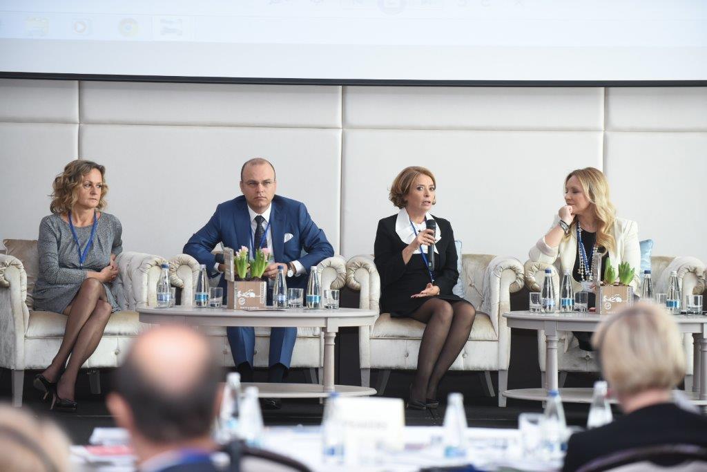 Afacerile de familie din România se pregătesc pentru succesiunea către a doua generaţie