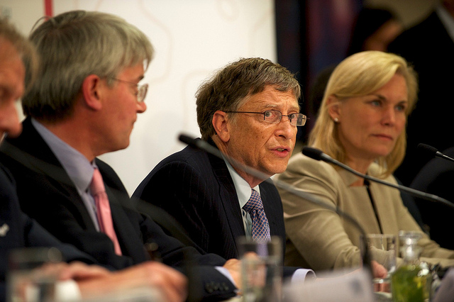 "Predictia lui Bill Gates despre pandemie: Nu ne vom intoarce la ""normal"" pana in 2022"