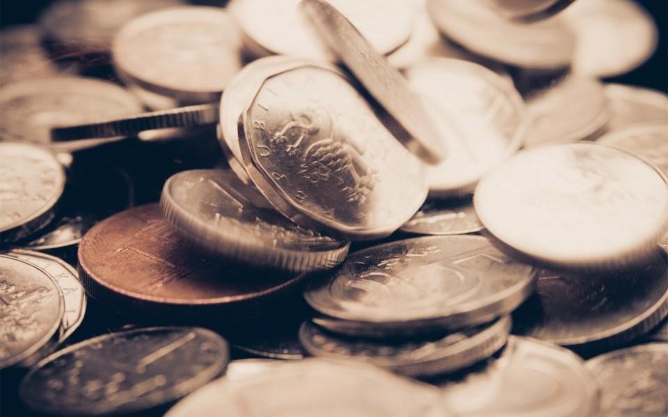 Topul salariilor din industria farmaceutica: angajatii romani, cel mai prost platiti din regiune