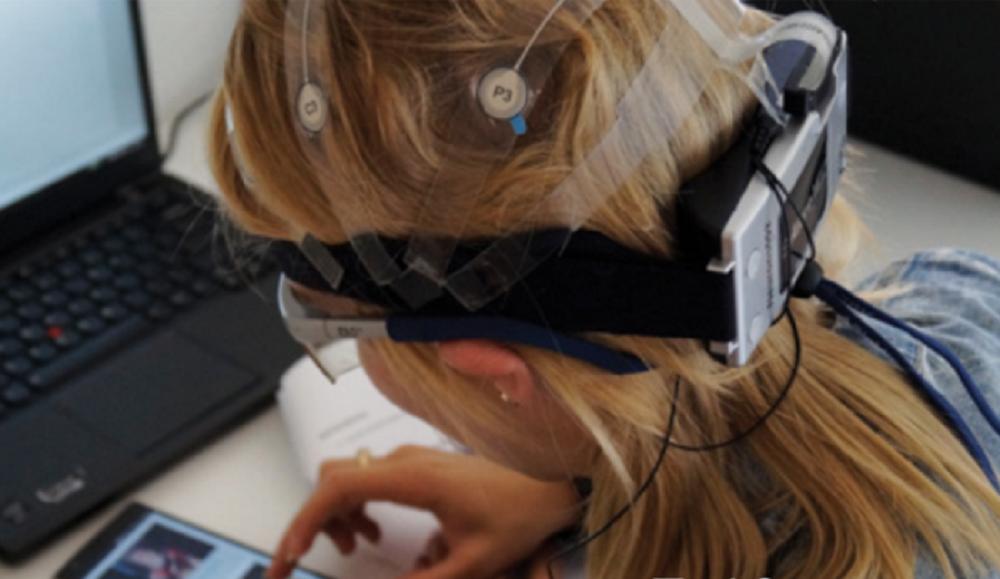 Stresul provocat de pauzele în redarea conținutului video pe mobil, mai mare decât cel resimțit la coadă într-un supermarket