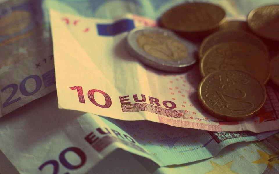 Companiile din Romania care au investitori straini au inregistrat o cifra de afaceri totala de peste 250 miliarde de lei (55 miliarde de euro) in anul 2015.