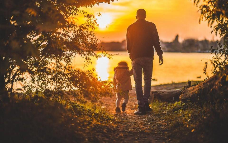 Câți bărbați intră în concediu de îngrijire a copilului și în ce condiții