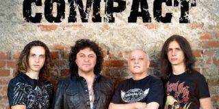 Compact la Hard Rock Cafe