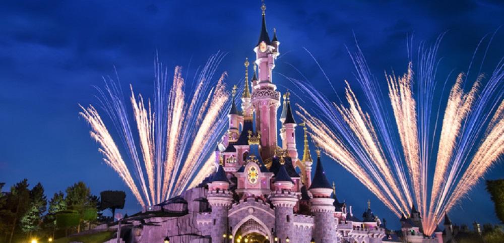 Disneyland. Top cinci destinatii de vacanta recomandate pentru familii