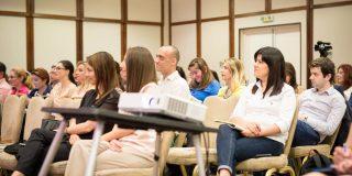 training in Customer Experience oferit in romania de Oxford College of Marketing