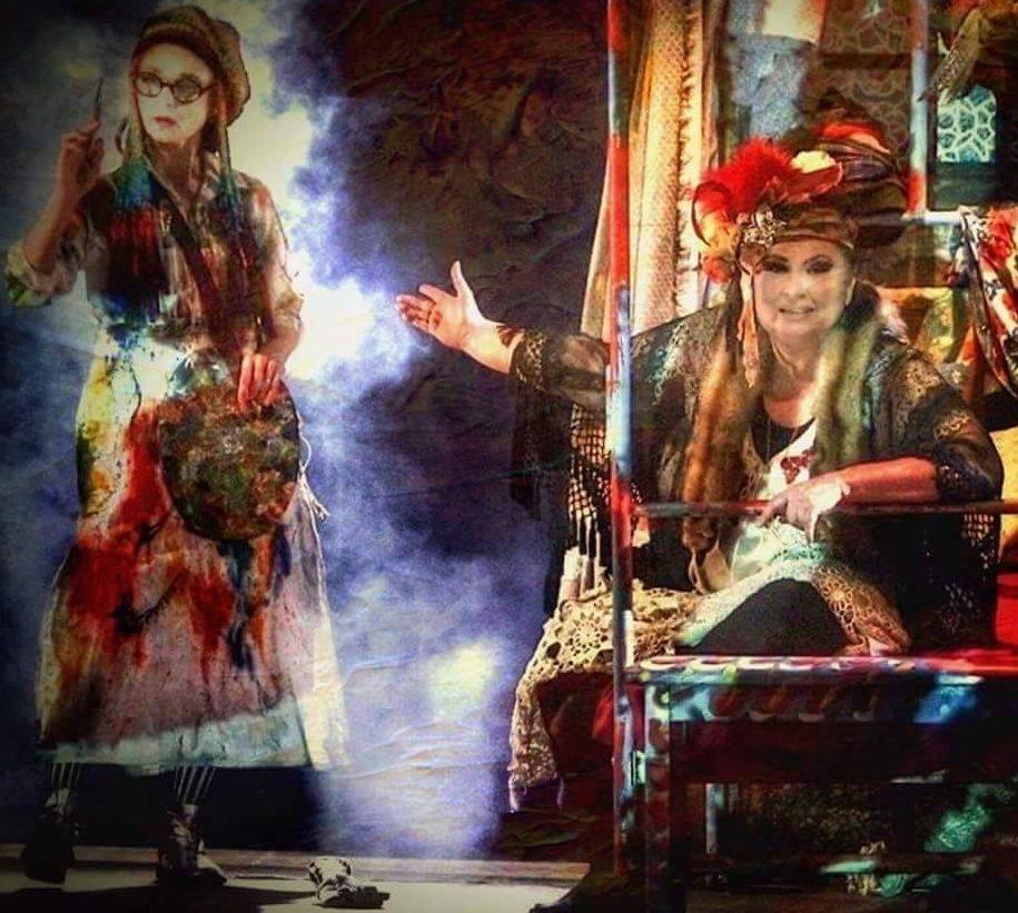 """Joi, 26 ianuarie, Teatrul Nottara a programat la Sala Horia Lovinescu spectacolul """"Familie de artisti"""", de Kado Kostzer si Alfredo Arias."""