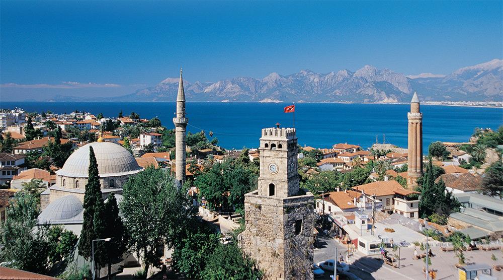 Vacanţe în Antalya de peste jumătate de milion de euro, cumpărate la Târgul de Turism