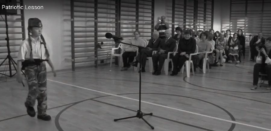 """Filmul polonez de scurtmetraj """"Lecţia de patriotism"""" deschide luni Festivalul One World Romania"""
