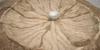 meteorit expus la Dino Parc Rasnov