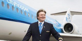 Regele Olandei piloteaza in secret aernovale KLM