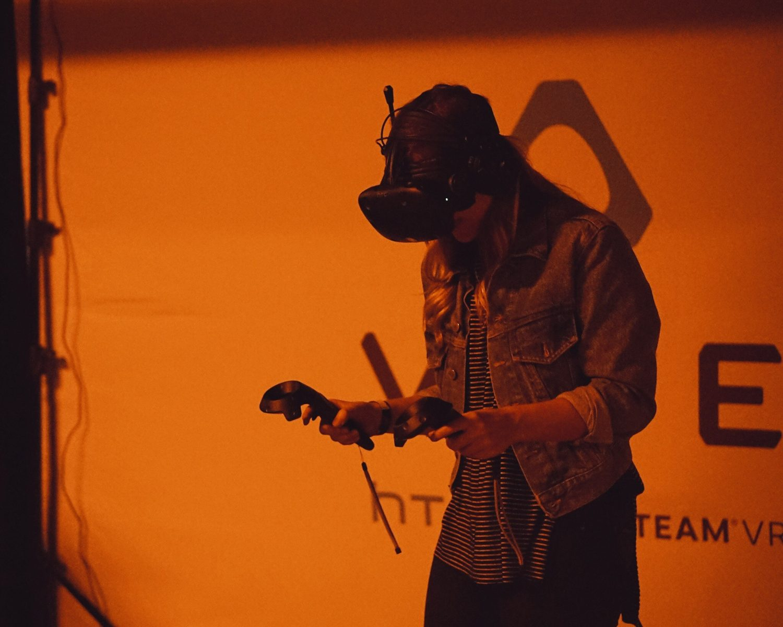 Cand VR si HR se intersecteaza: cum poate realitatea virtuala sa schimbe jocul in resurse umane