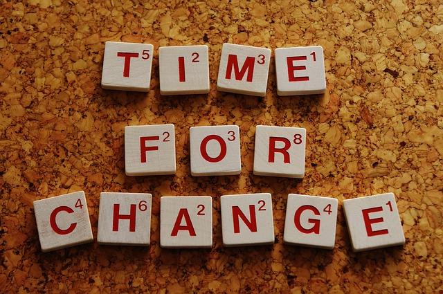 Modelul Kübler-Ross: 4 etape de acceptare a schimbarii in companie