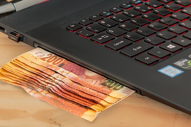 Modernizarea instrumentelor de analiza a datelor IT si financiare este o prioritate pentru raportarea corporativa