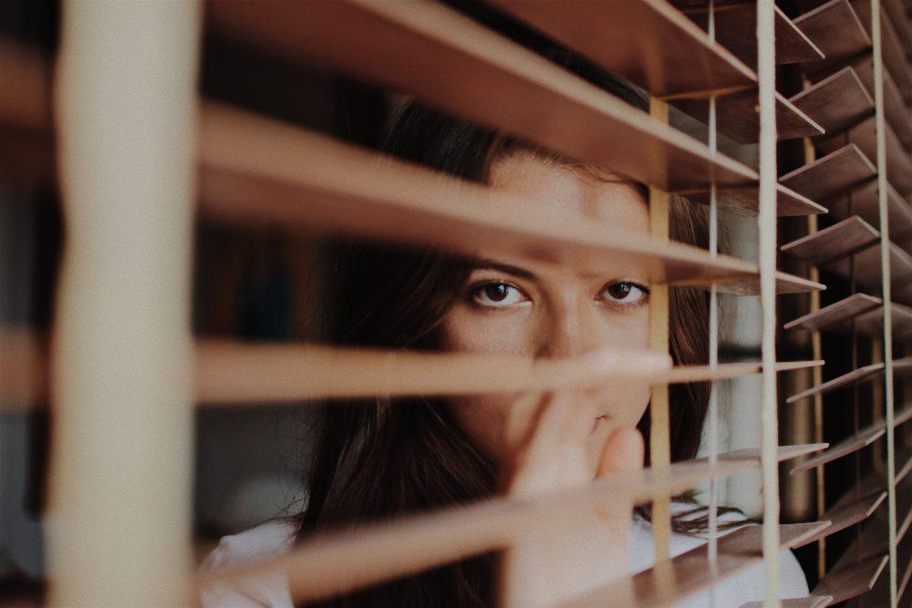 Cum invingem teama de a vorbi in public?
