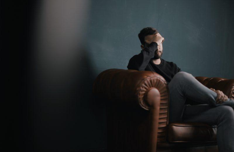 Angajaţii români sunt stresaţi şi deprimați