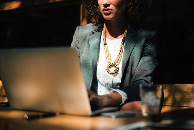 Experienta mea de femeie-antreprenor mi-a aratat ca tenacitatea este ceea ce face diferenta