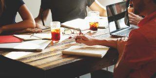 Cum sa rezolvi problema supraincarcarii cu intalniri de lucru
