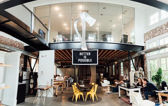 Motivul pentru care foarte multe companii prefera birourile deschise