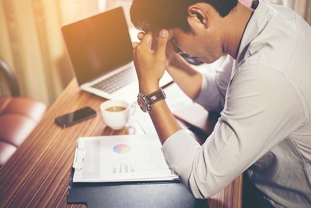 70 % dintre angajatii romani lucreaza peste program ca urmare a volumului mare de munca si a presiunii angajatorilor