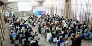 "conferinta ""Putere prin oameni"", organizata de catre CDM"