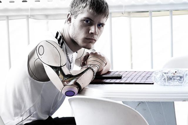 Doua miliarde de tineri risca sa devina inadaptati la piata muncii in cea de-a patra revolutie industriala