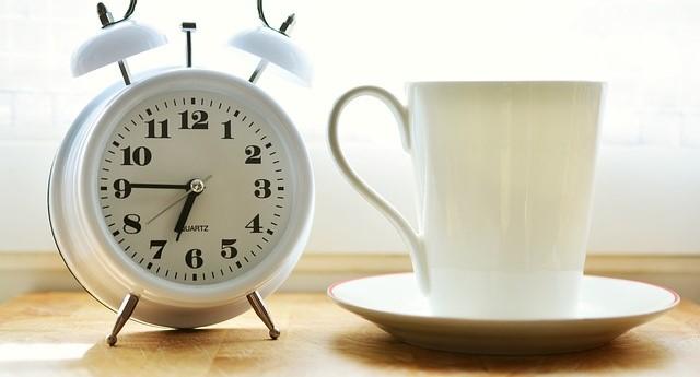 Daca vrei angajati mai productivi, ajusteaza programul de lucru cu ceasul lor intern