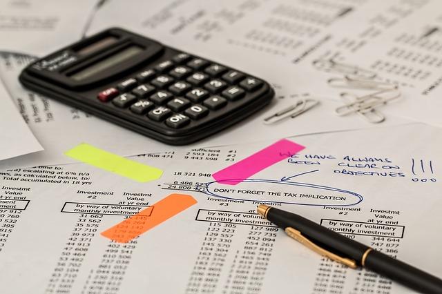 Planurile de investitii a 57% din companiile din Romania au fost afectate de incertitudinile fiscale si legislative din ultimul an