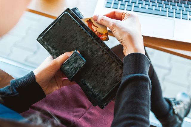 Tichetele de beneficii pentru salariati migreaza preponderent catre mediul digital