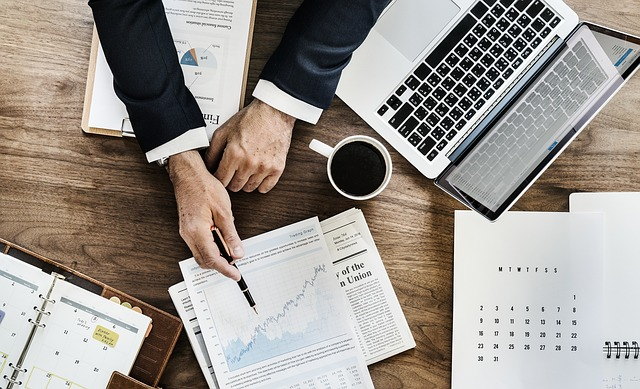 Studiu EY: Liderii de business privesc dincolo de criza si configureaza noi planuri de fuziuni si achizitii