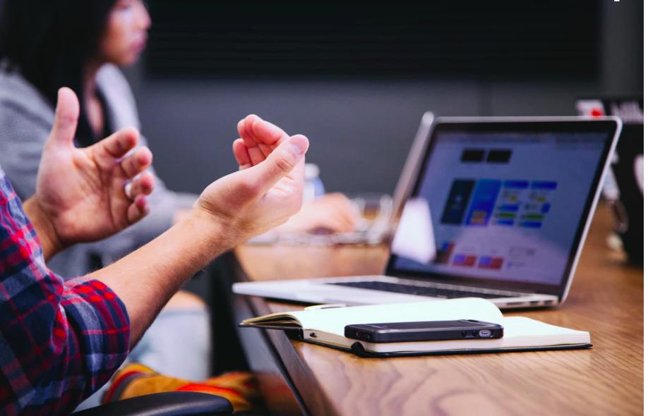 Modalități prin care crești rata de menținere a clienților pe site-ul tău