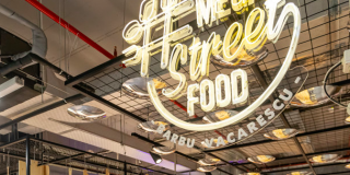 Mega Image a inaugurat conceptul #MegaStreetFood, un foodcourt integrat in mall Plaza
