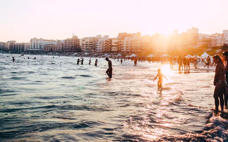 Cele mai ieftine destinatii de city break in septembrie: Paris, Marsilia, Viena si Berlin, cu bilete de la 35 de euro